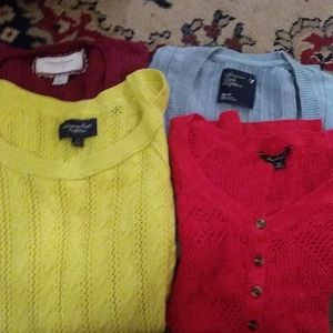 4- American Eagle Sweater Lot of 4